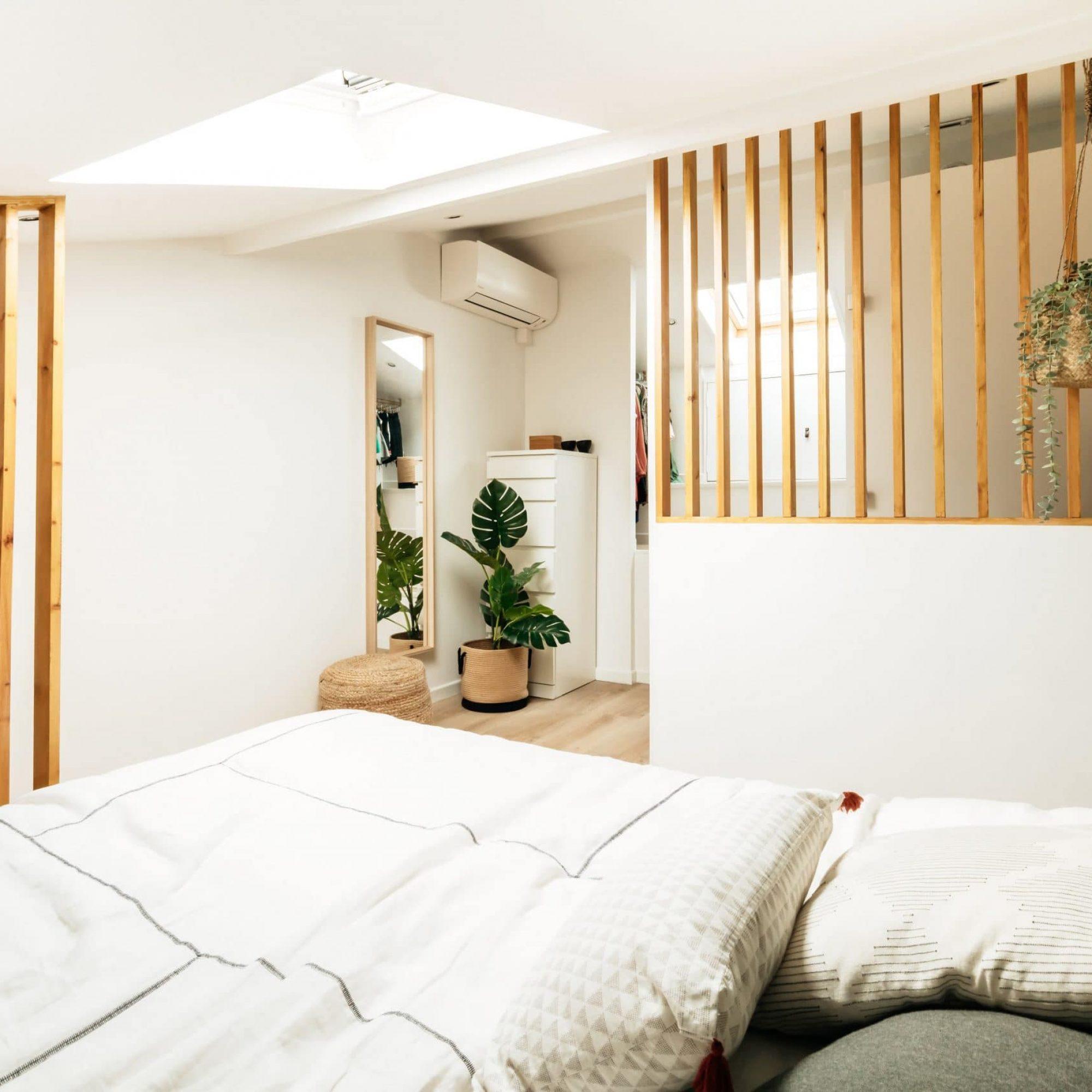 sousletoit-renovation-jeremydugas-architecte-interieur-decoration-travaux-aménagement-montpellier-herault-papier-peint-jungle-wood-chambre