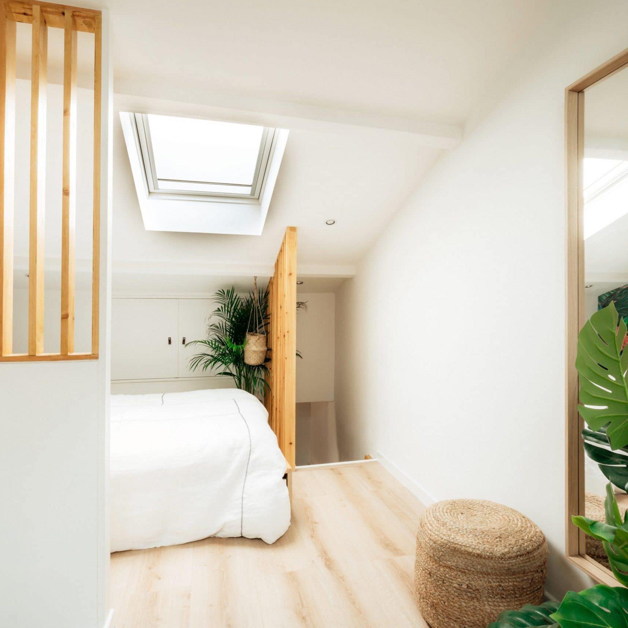 sousletoit-renovation-jeremydugas-architecte-interieur-decoration-travaux-aménagement-montpellier-herault-papier-peint-jungle-wood-chenemassif