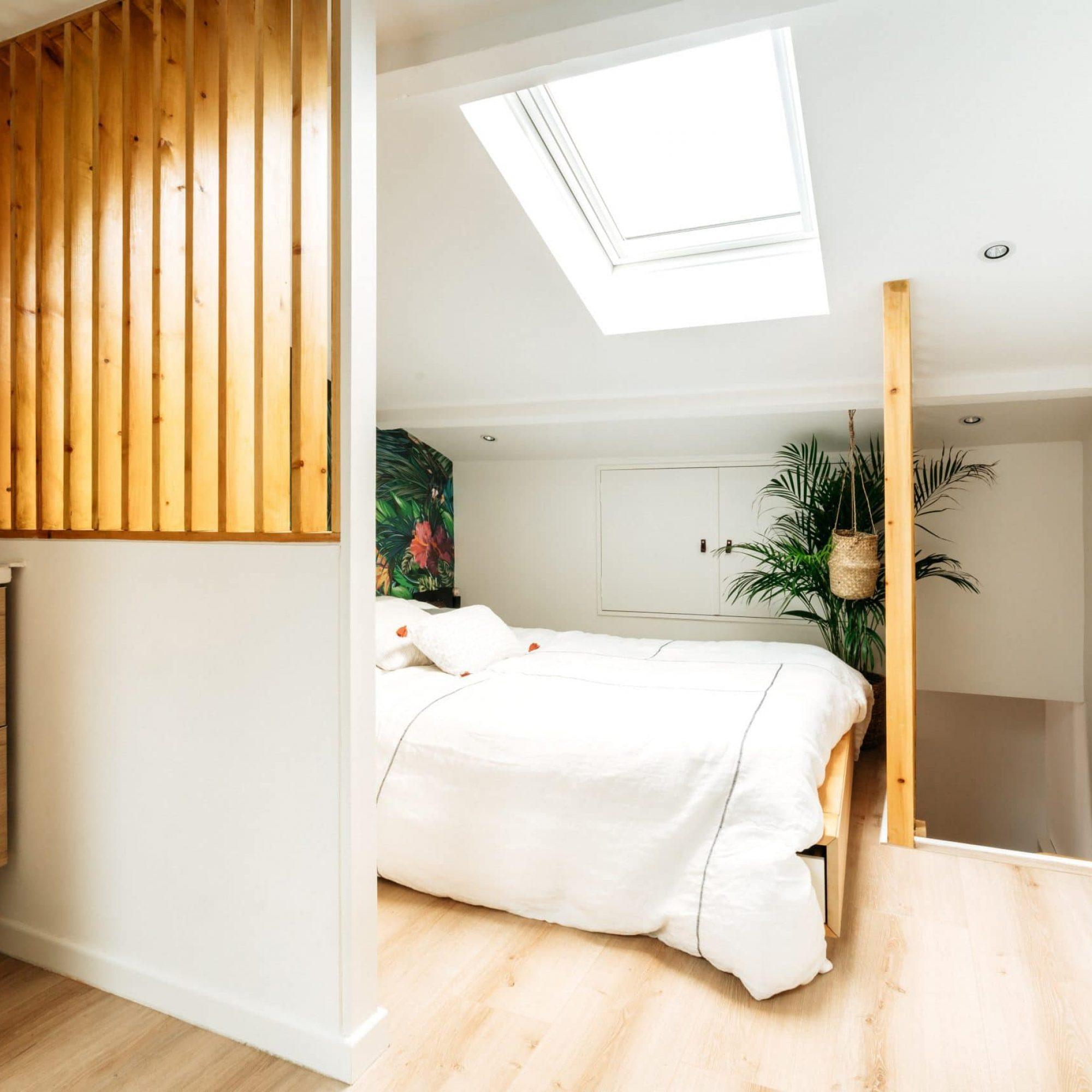 sousletoit-renovation-jeremydugas-architecte-interieur-decoration-travaux-aménagement-montpellier-herault-papier-peint-jungle-wood-leroymerlin