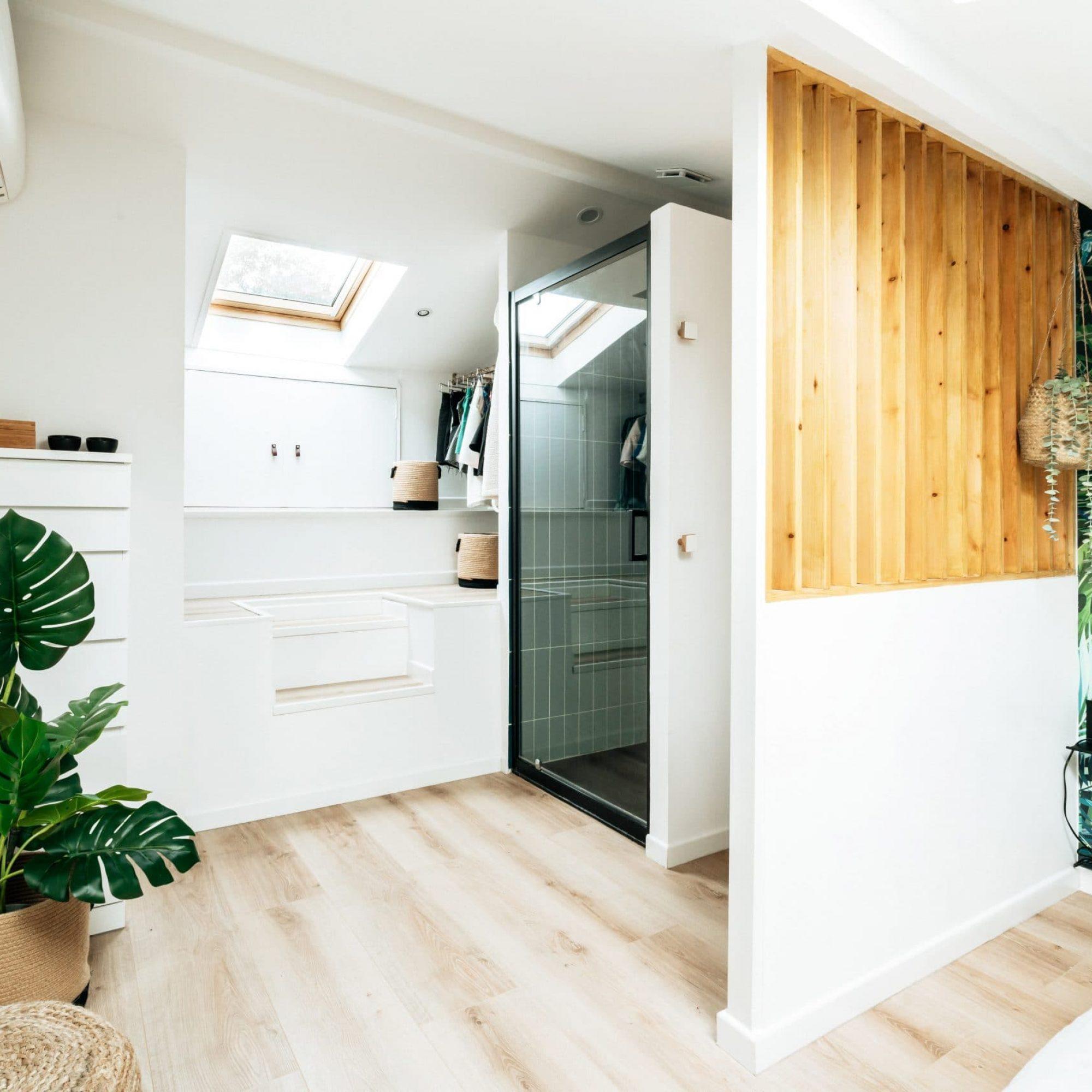 sousletoit-renovation-jeremydugas-architecte-interieur-decoration-travaux-aménagement-montpellier-herault-papier-peint-jungle-wood-surmesure