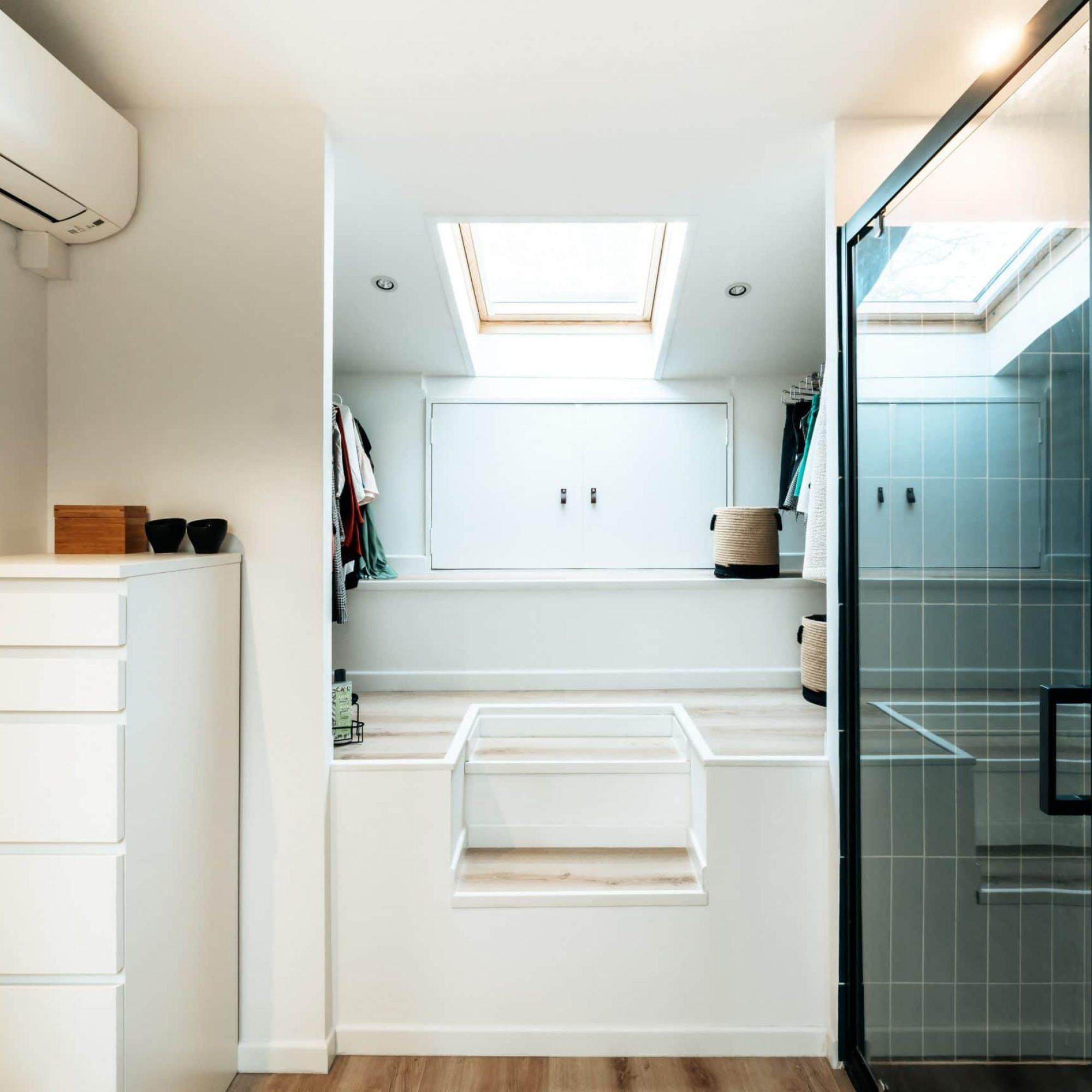 sousletoit-renovation-jeremydugas-architecte-interieur-decoration-travaux-aménagement-montpellier-herault-papier-peint-jungle-wood-zellige